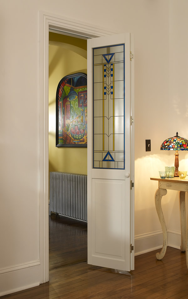 Modern Stained Glass Artiste Bifold Door with Blue and Yellow Accents