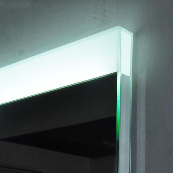 Grande LED Mirror Detail