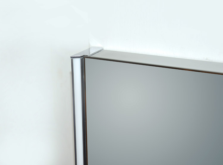 Zip LED Mirror Detail
